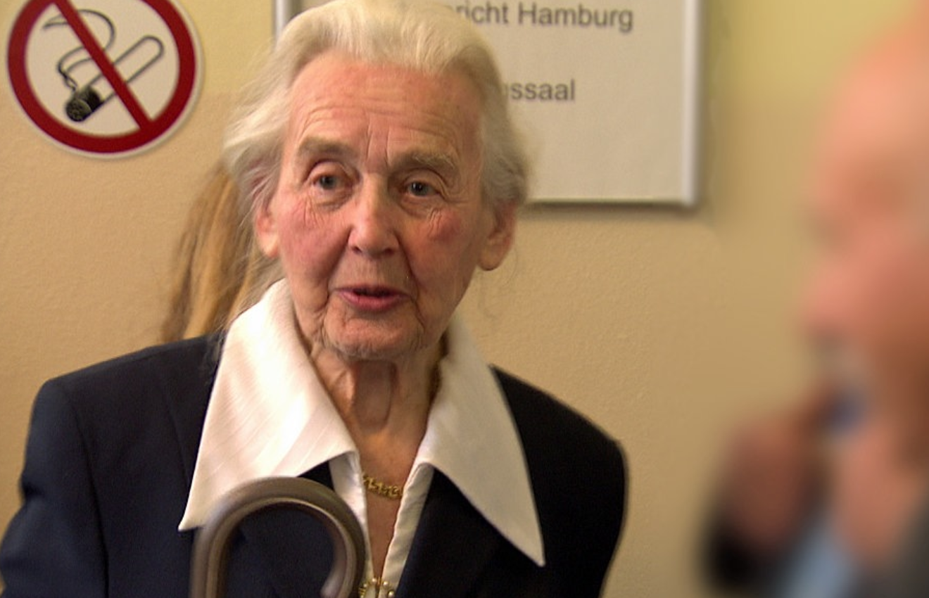 Notorische Holocaust-Leugnerin vor Berliner Gericht