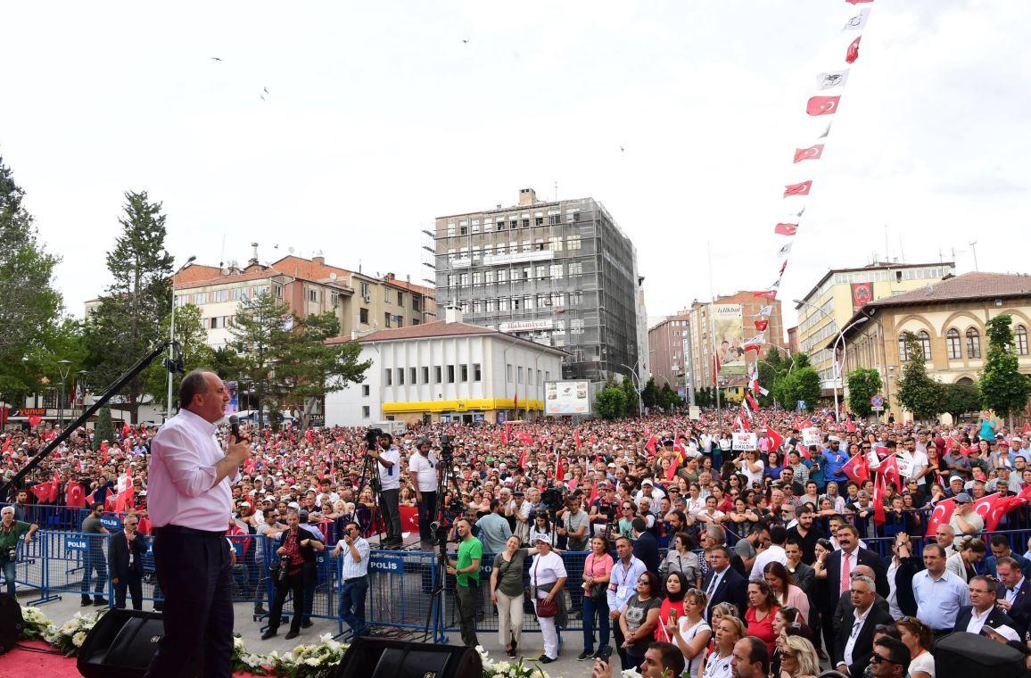 Türkei: CHP-Kandidat Muharrem Ince droht mit Schließung von US ...