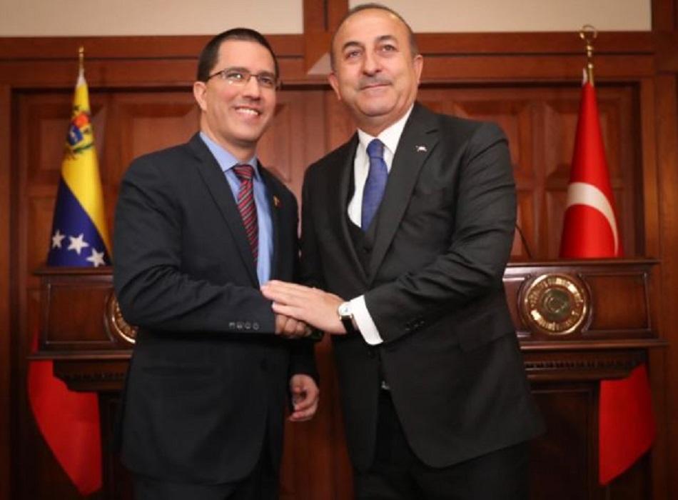 Türkischer Außenminister Cavusoglu: Türkei wird Venezuela